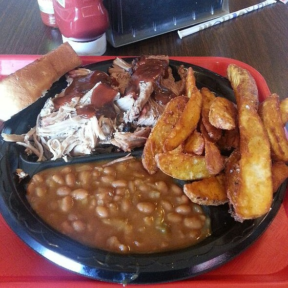 Pulled Pork, Beef Brisket, Baked Beans, And Fries @ Bar-B-Que Station