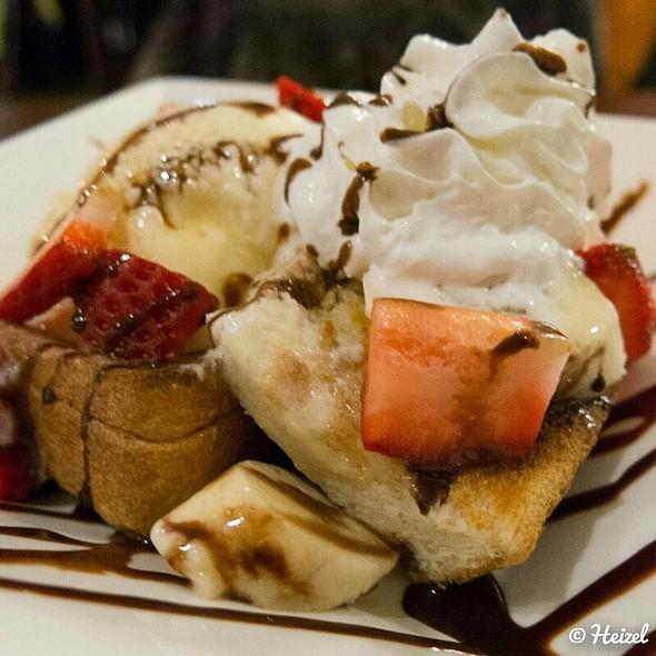 Honey Toast @ Izakaya Roku