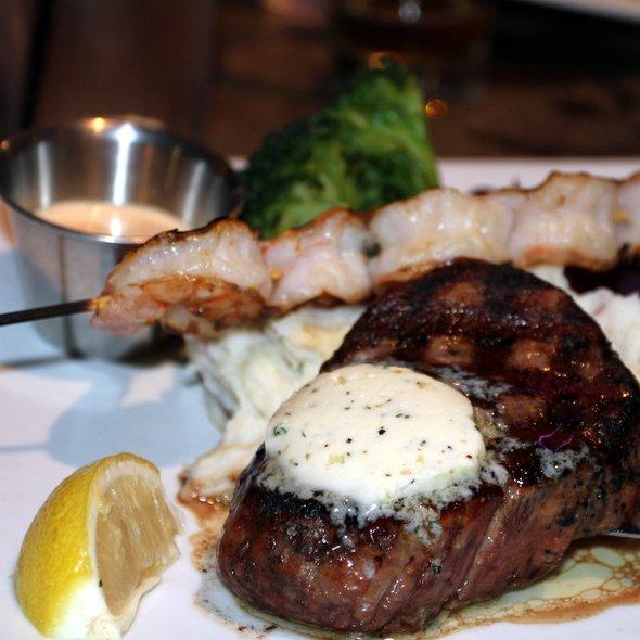 Filet Mignon - Gladstone's Long Beach, Long Beach, CA