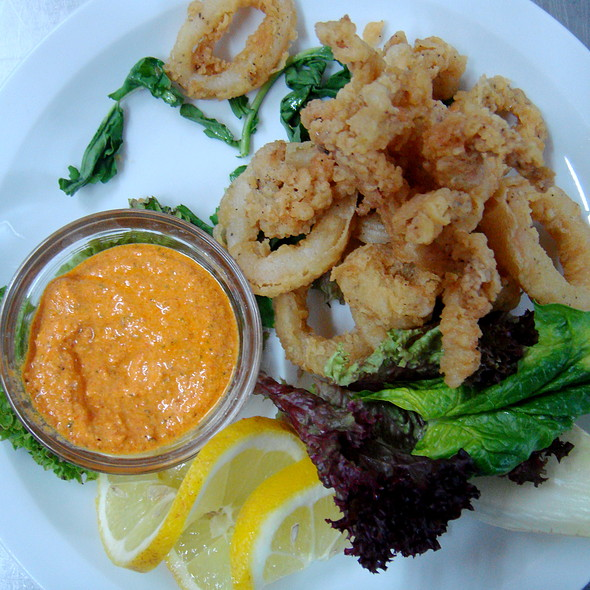 Fried calamari with chipotle aioli @ Med Restaurant Chersonissos