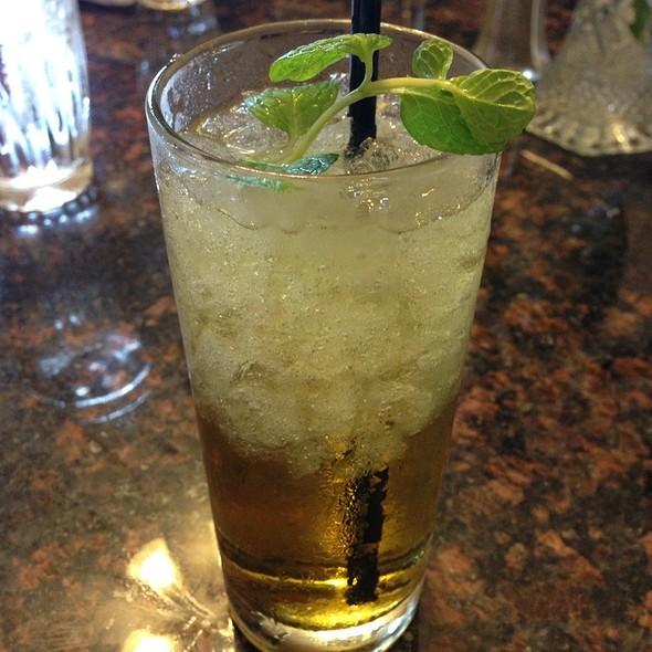 Mint Julep @ Oak Alley Plantation, Restaurant & Inn