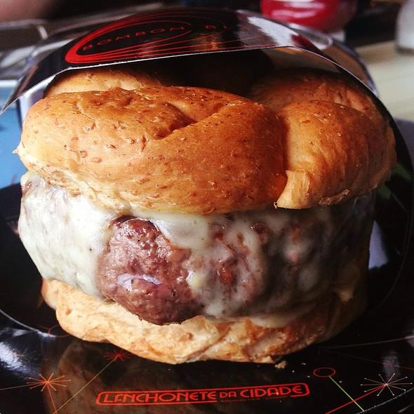 Black Bombom Burger