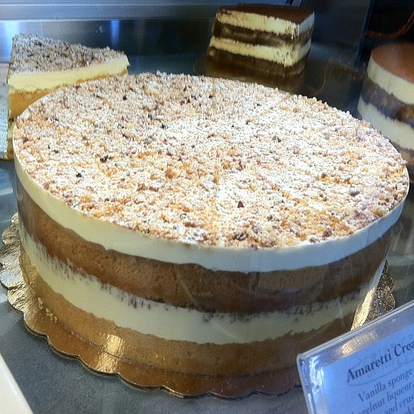 Amaretti Cream Cake @ Crixa Cakes