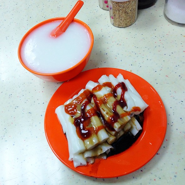 Plain Congee And Chinese Dough In Rice Rolls @ 忠記粥品