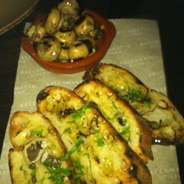Button Mushrooms @ Bacco Matto Osteria