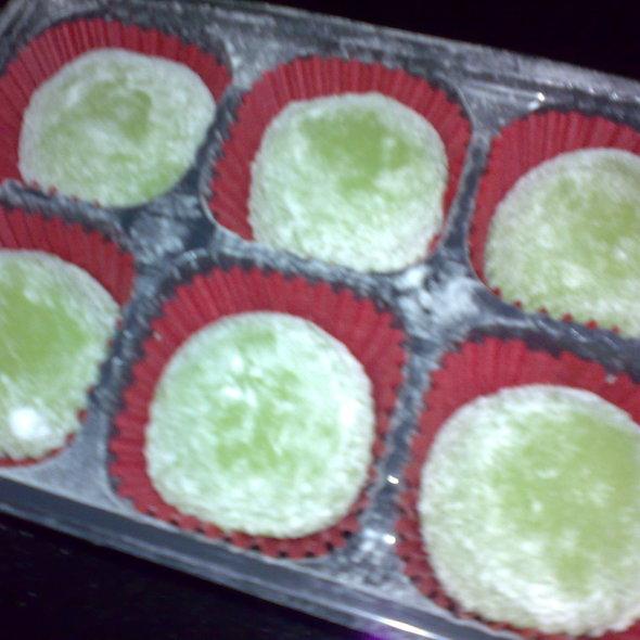 Green Tea Mochi @ Shojikiya