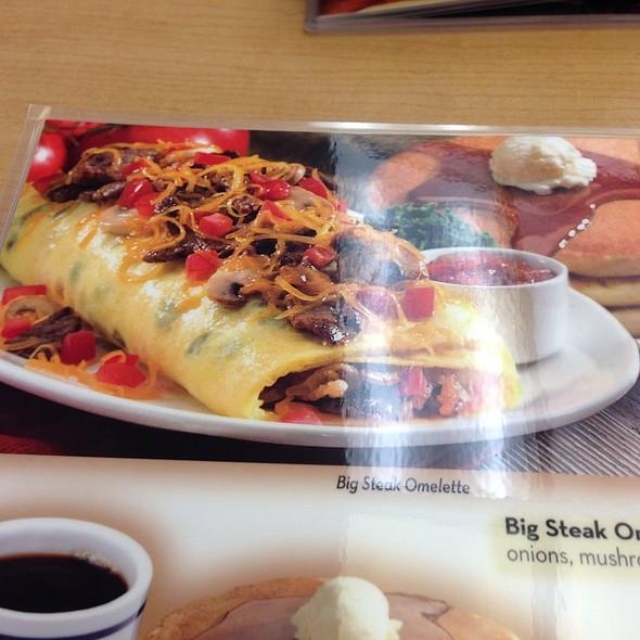 Big Streak omelette @ Ihop