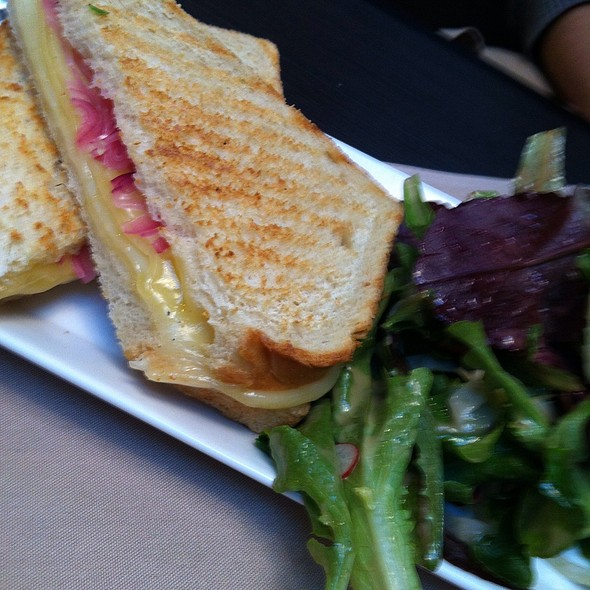 Three Cheese Grilled Cheese - Tavern Off The Green, Litchfield, CT