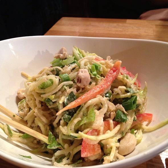 Vegan Pad Thai @ Rawlicious Yorkville