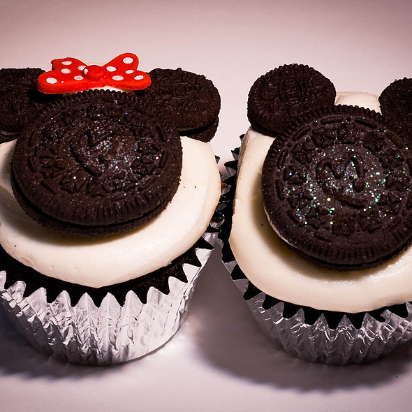 Disney Week - Mickey & Minnie Cupcakes @ Firefly Cupcakes