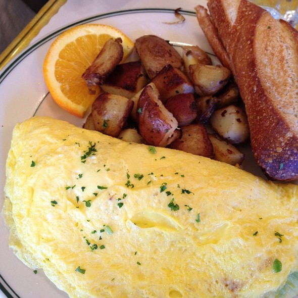 Farmer's Omelette @ Mama's On Washington Square