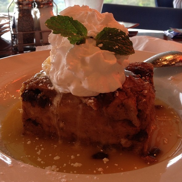 Bread Pudding @ Bubba Gump Shrimp Co.