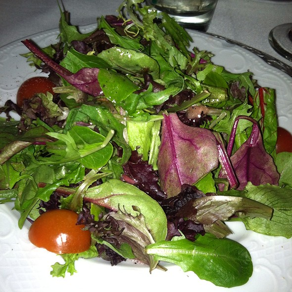 Mixed Greens With Raspberry Dressing - Cafe La Cave, Des Plaines, IL