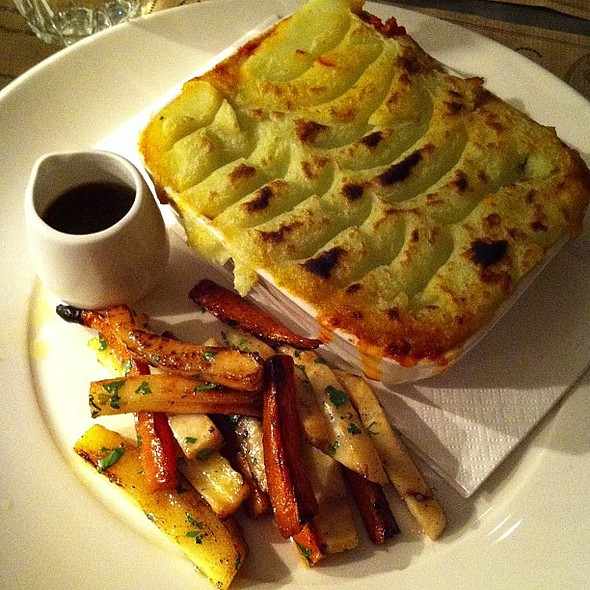 Elwy lamb shoulder shepherds pie @ Harrison's