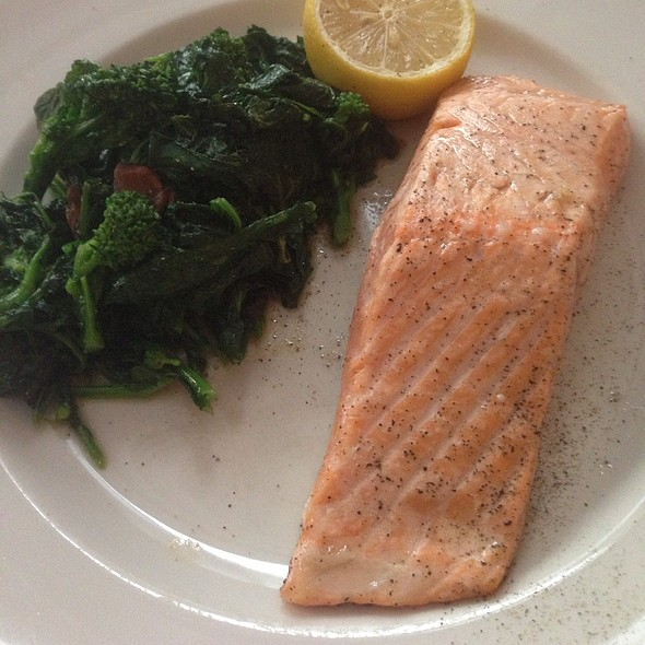 Filet Of Salmon With Broccoli Rabe - Il Cantinori, New York, NY