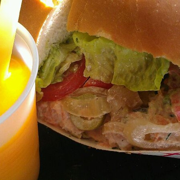 Spicy Tuna Sandwhich And Mango Smoothie Combo