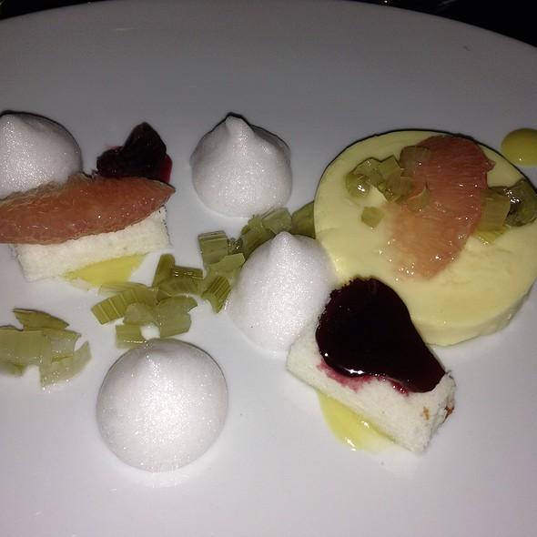 Grapefruit & Vanilla Cake  grapefruit-thyme gelée, vanilla bean ice cream @ Scarpetta