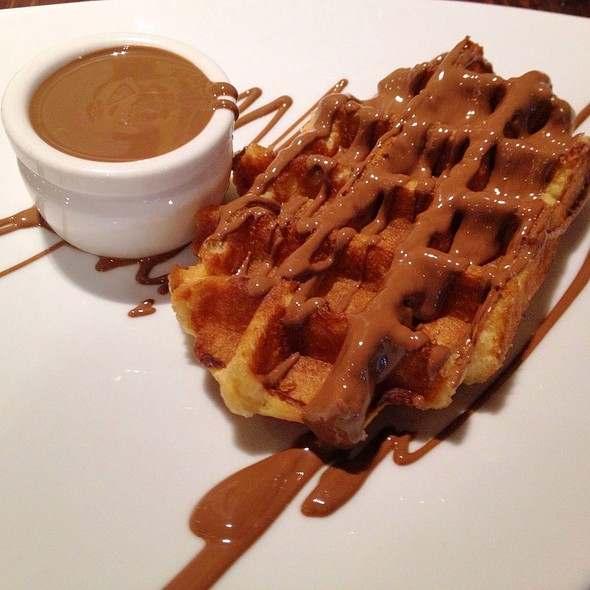 Belgian Waffle with Belgian Chocolate and Icing Sugar @ Max Brenner The Chocolate Bar