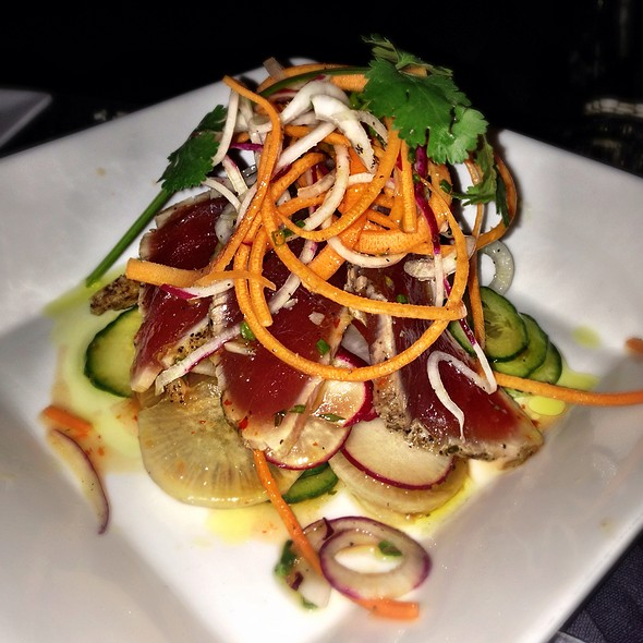 Seared Ahi Salad - Tempo Restaurant, Buffalo, NY
