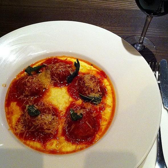 Meatballs, polenta, Pinot noir @ Harrison's