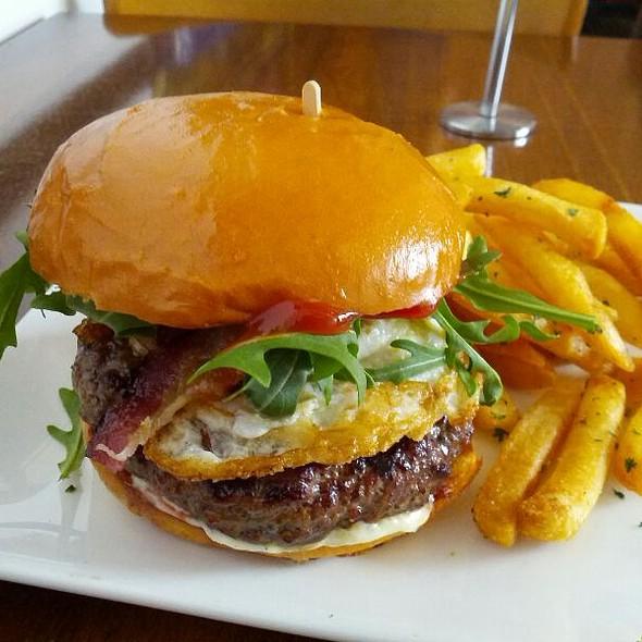 Hamburger @ The Golden State