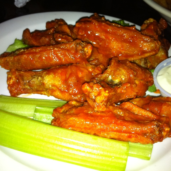 Buffalo Wings @ The Brick House Bar & Grill