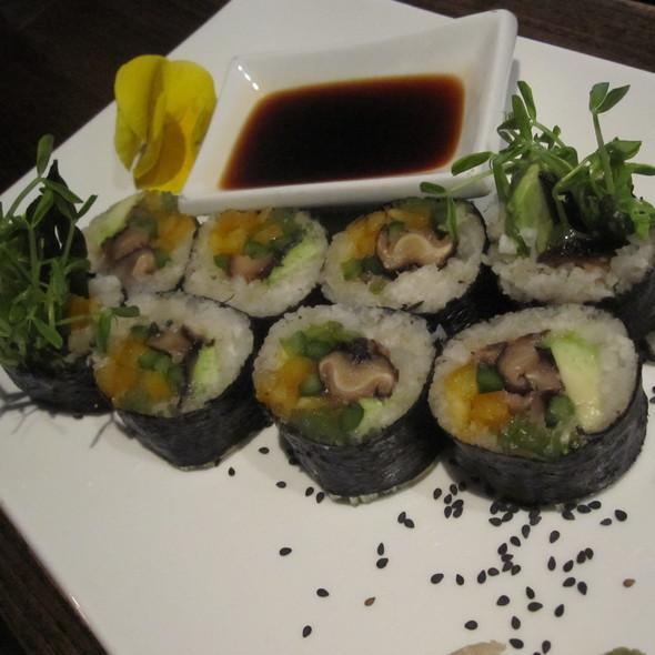 Sushi @ Pure Food & Wine