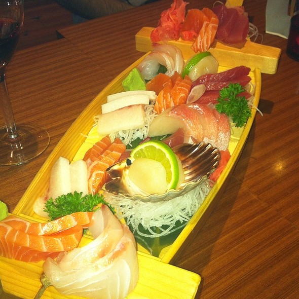Sashimi Boat @ Ichibang