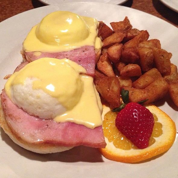 Eggs Benedict @ Avenues Bistro-Brookside