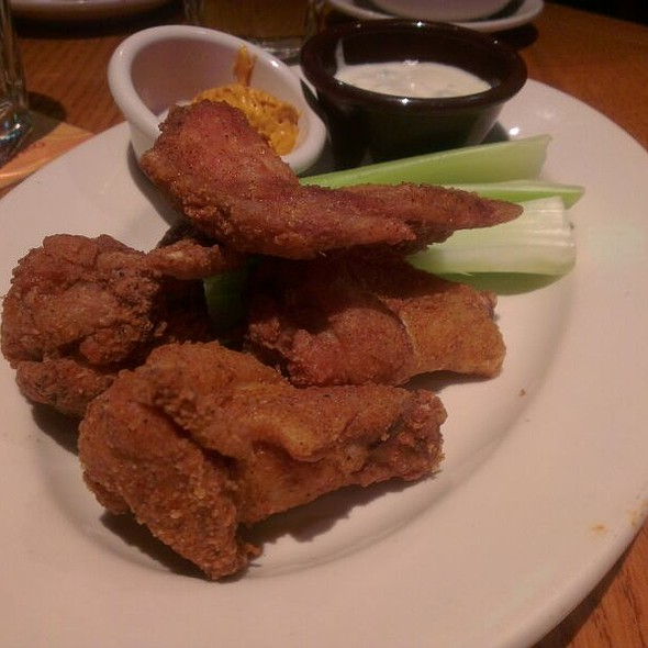 Chicken Baffalo Wings @ 澳美客OutbackSteakhouse