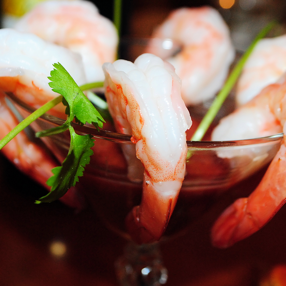 Chilled Jumbo Shrimp Cocktail @ Home