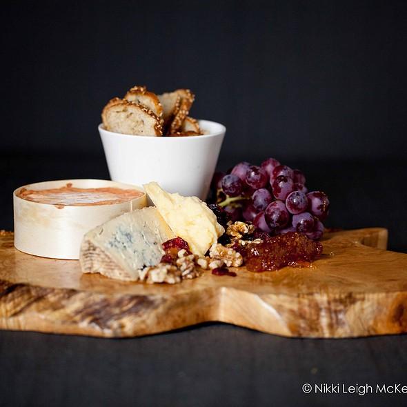 Cheese Platter - Quinn's Steakhouse & Irish Bar, Toronto, ON