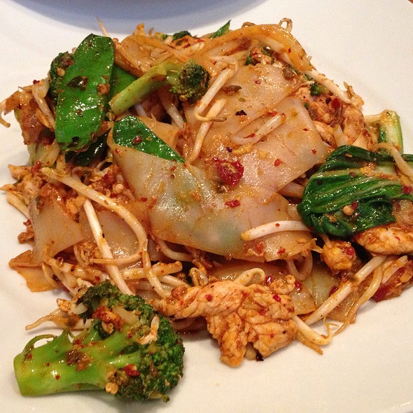 Rhonda rice foodspotting for 7 star thai cuisine