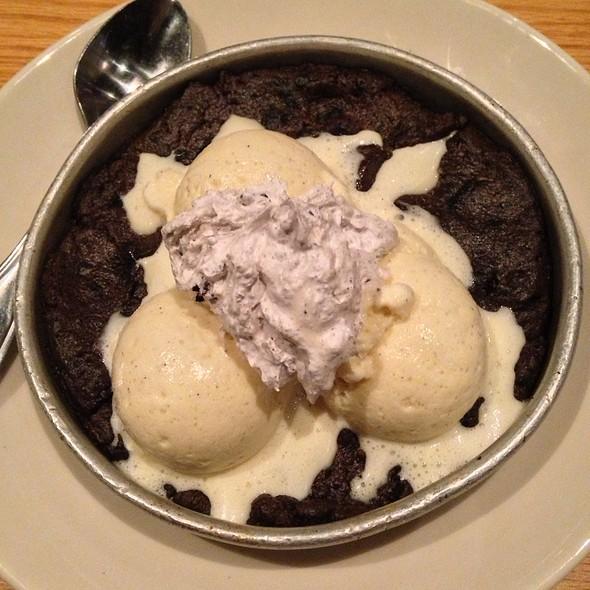 Cookies N' Cream Pizookie @ BJ's Restaurant & Brewery