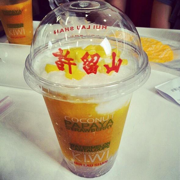Mango Sago Smoothie #许留山 @ 许留山