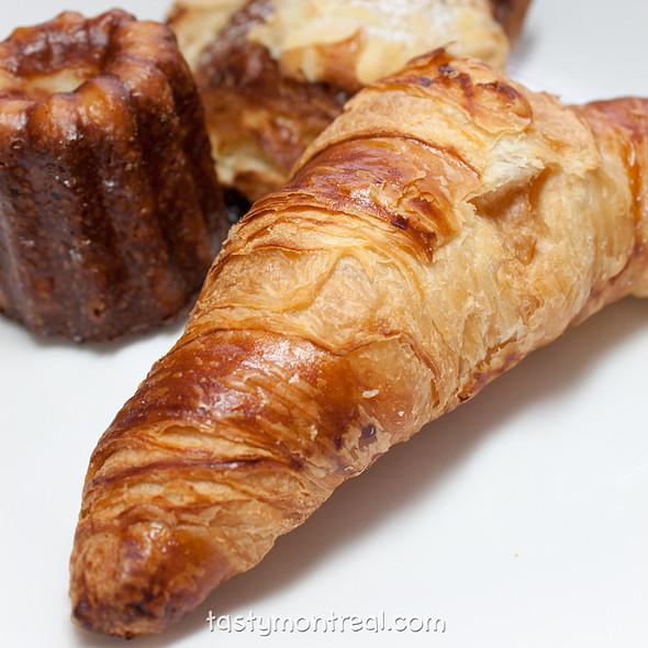 Plain croissant @ La Bête A Pain