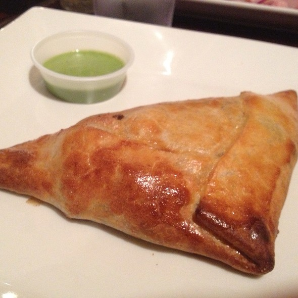 Empanada Chilena De Carne - Don Churro Cafe, Chantilly, VA