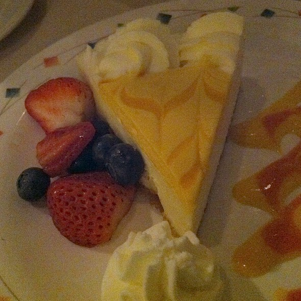 Mango Cheesecake @ Cafe Maxim's Patisserie