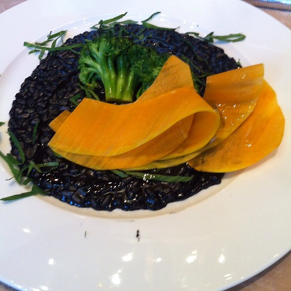 Black Ink Risotto With Broccoli @ Divan Istanbul