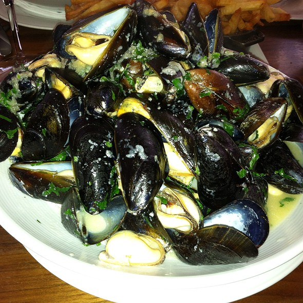 Mussels In Olive Oil And White Wine