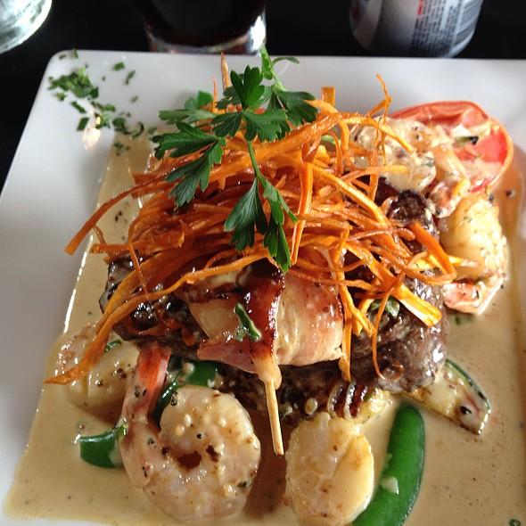 Beef N Reef @ Birches Restaurant @ Mount Mee
