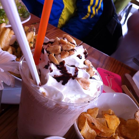 Peanut Butter Malt Shake @ Big Orange Burgers