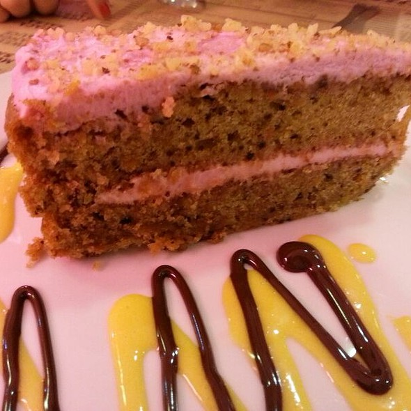 Pink Carrot Cake @ Peggy Sue's