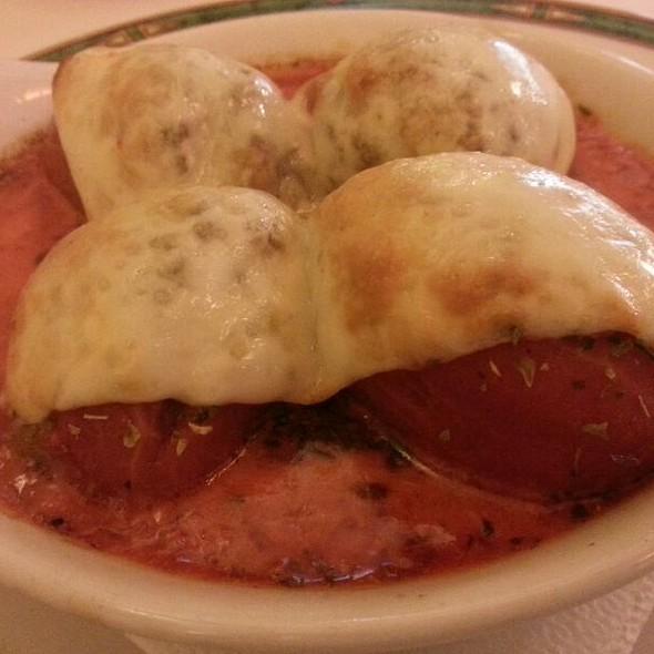 Stuffed tomatoes au gratin @ Sucot