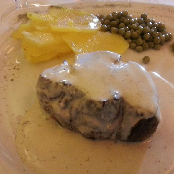 BEEF FILLET WITH GREEN PEPPER SAUCE @ Sucot