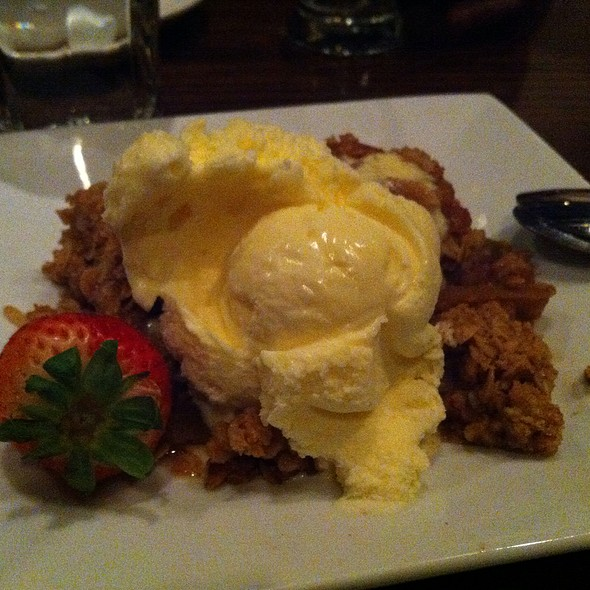 Apple Crumble @ The Fish House
