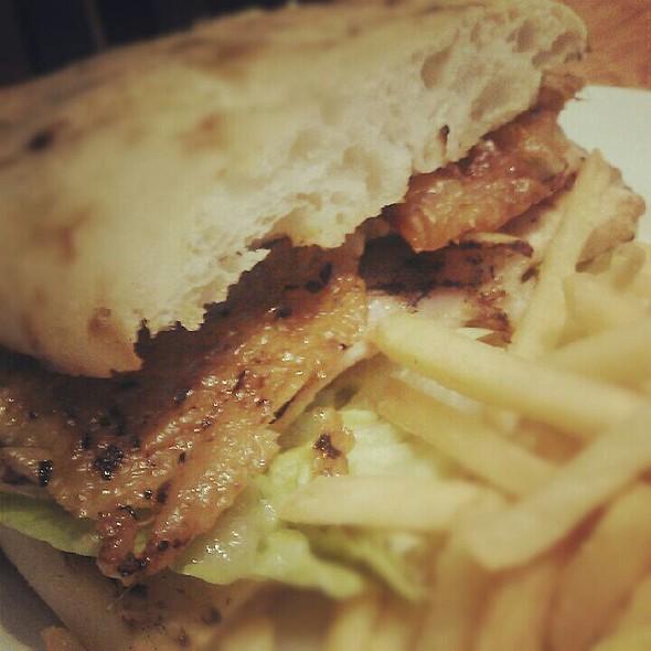 Chicken sandwich with crispy skin
