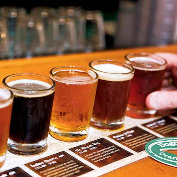 Dogfish Head Alehouse Beer Sampler @ Dogfish Head Brewings & Eats