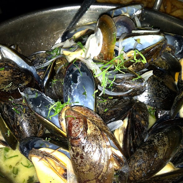 Mussels With White Wine Sauce - Les Halles Park Avenue, New York, NY