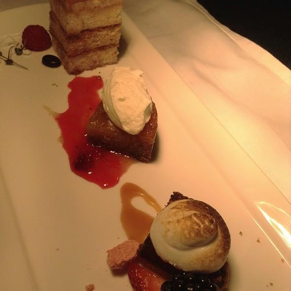 Dessert Trio @ Marchand's Bar and Grill: At Renaissance Vinoy Resort